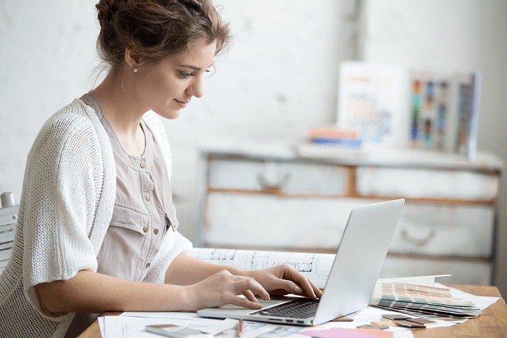 Como trabalhar em casa: 10 dicas que te ajudarão